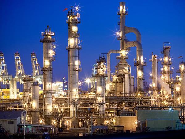 refineries-02