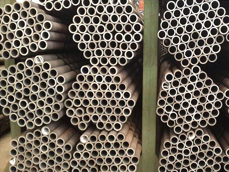SEAMLESS-PIPE-01